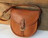 Vintage Coach Bag // Coach Leather Trail/Saddle Buckle Bag in British Tan // Coach Crossbody // Early 1980s.