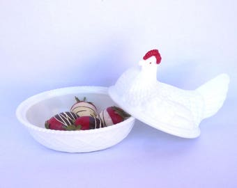 Vintage MILKGLASS CHICKEN JAR