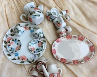 Seriously Who Paints This Small Vintage Miniature Tea Cup Sets