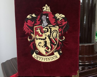 Book-clutch J.K. Rowling Fantastic Harry Potter (any faculty logo)