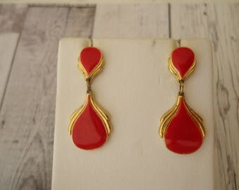Vintage Enameled Earrings, Dangle Style, Reddish Pink on Gold Tone, Circa 1980s Jewelry