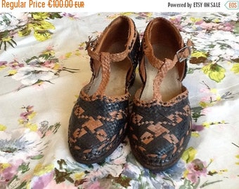 ON SALE Vintage antique 20s 30s woven shoes