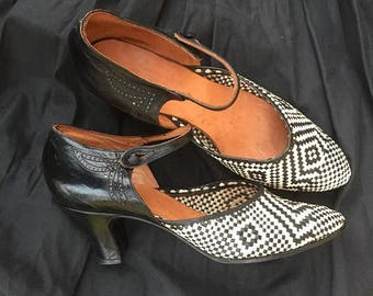 ON SALE Vintage 30s Shoes Woven