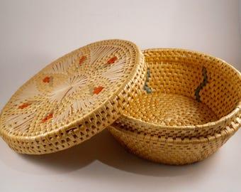 Vintage Sewing Basket Colorful Lid