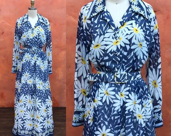 Vintage 1960s 1970s Blue White Yellow Daisy Floral Print Belted Maxi dress. Medium