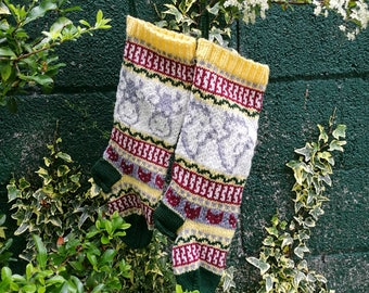 Pattern Fair Isle knitting instruction for Christmas stockings with Cows and Roosters Fairisle knit Santa Sock PDF download