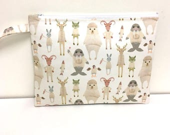 Large size wet bag. Arctic Animals. Great size wet bag for cloth nappy diapers.