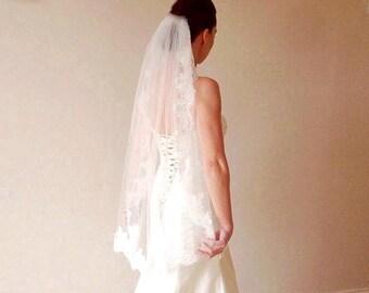 Lace wedding veil Ivory lace veil fingertip lace veil