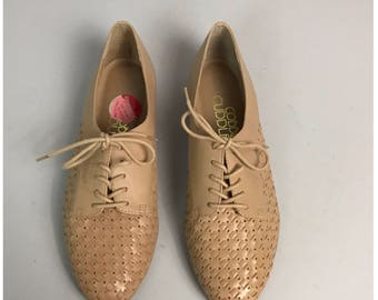 Vintage NOS 1980s Tan Woven Leather Perforated Flats Oxfords Cutouts / Women's 7.5 / 80s Deadstock Lace Up Hipster Unworn