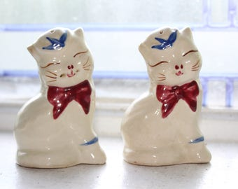 Puss N Boots Cat Salt Pepper Shakers Vintage Shawnee Pottery 1950s