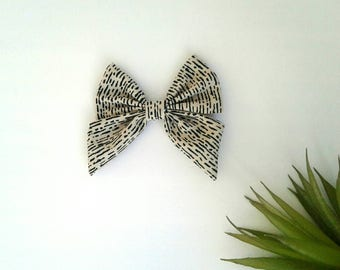 Girl's minimal dash hair bow clip girls vintage modern