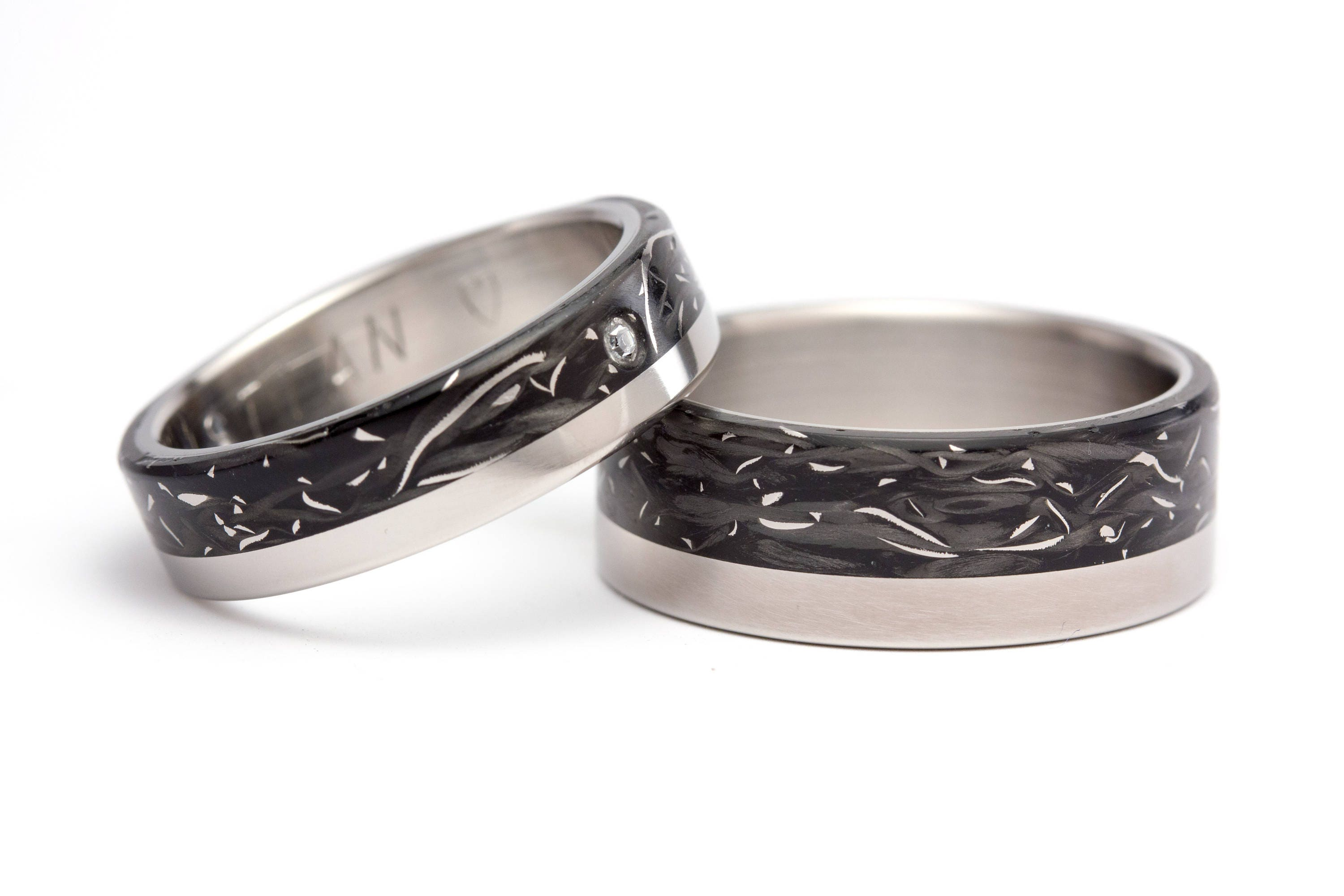 Polished Carbon Fiber And Titanium Threads Wedding Bands With Swarovski Crystal 00332 5S8N