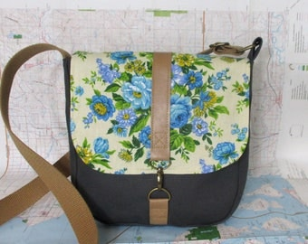 Iowa City- Crossbody messenger bag - Vintage floral print - Adjustable strap - Vegan purse - Travel bag - Blue- Medium -Ready to ship