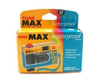 Disposable Kodak Max waterproof film camera, unopened, expired 35mm film, underwater photography supply, outdoor photographer, 27 exposure