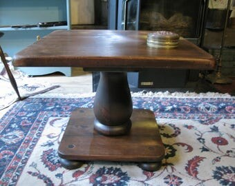 Solid and Sleek Mid-Century Ethan Allen Pine Tavern Table