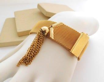 Vintage Japan Yellow Gold Tone Mesh Tassel Charm Adjustable Length Bracelet G15