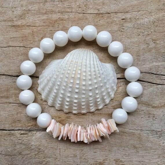 shell bracelet,  mermaid jewelry, beachcomber beach bracelet, pink shell chip bracelet