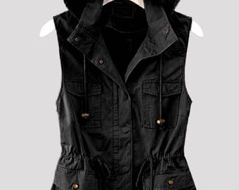 Sleeveless Zip Up Vest w/ Pockets