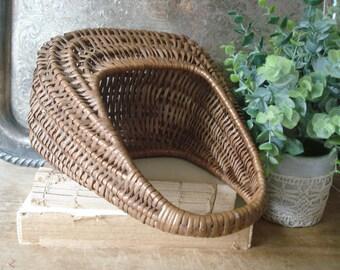 Small Vintage French Basket/French Wicker Basket/Wicker Basket with Handle/French Farmhouse/French Market/Cottage Basket
