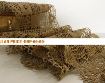 Vintage Lace 20ft x 1 ft....Hand Made, Puy-En-Velay France ..EXTRA LARGE Piece...