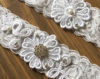 White wedding garter/Wedding garter/Garter/Wedding/Lace garter set/Wedding Lingerie/White garter/Toss garter/Garter set/Bridal accessories