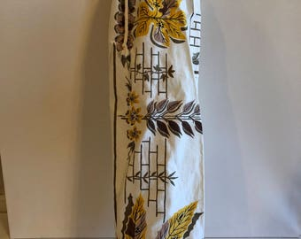 SALE !!!vintage 1950's tablecloth fabric yoga mat bag