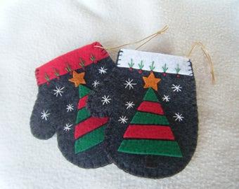 Christmas Tree on Gray Felt Mitten Christmas Ornament/Gift Card Holder - 100% HANDMADE