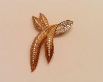 Vintage Bling Goldtone Kramer Feather Leaves Rhinestone Brooch