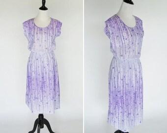 SUMMER SALE Vintage 70's Lavender Purple Floral Sun Dress - Short Sleeve Semi Sheer Shirtwaist Dress - Casual Summer Frock - Size Medium to