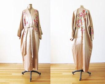 Embroidered Silk Robe / Vintage Silk Robe / Chinese Silk Robe / Kimono Robe / Dressing Robe / Bridal Robe / Boudoir / Silk Robe Large