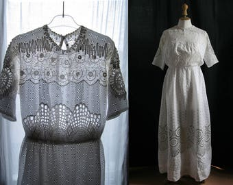 Long antique white dress, cotton embroidered, Vintage 1900's, Small size