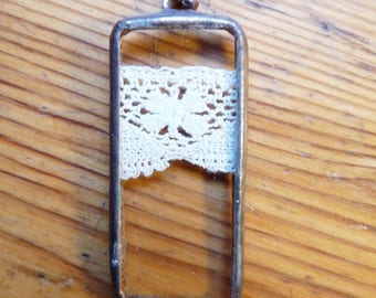 Rectangle pendant - 27 - antique lace and glass