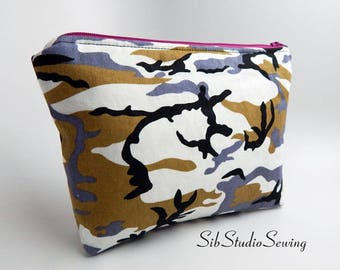 Urban Camo Bag, 9 x 6 x 2 inches, Interior Vinyl Lined for Easy Clean, Zipper Closure, Padded, Urban Camo Makeup Bag, Camo Cosmetic Bag