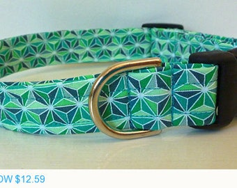 "Sale - 40% Off Unisex Modern Shades of Green Stars Dog Collar - ""Stephen"""