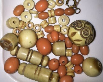 Wholesale Bakelite or Galalithe Faux coral and Faux Bone Vintage Plastic Beaded Choker Loose Beads