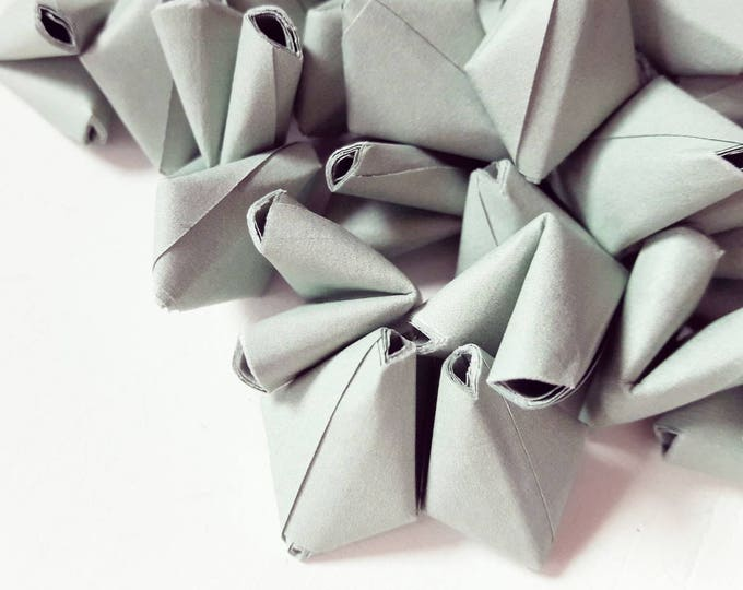 50 sage green paper origami heart love messages - wedding - Free worldwide shipping - wedding favour - summer wedding decor