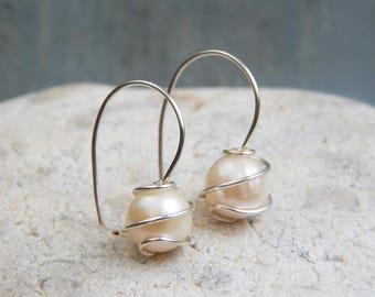 Pearl Earrings - Freshwater Pearl Dangle Earrings - Pearl Silver Drop Earrings, June Birthstone - Bridesmaids Gifts - Wedding Jewellery