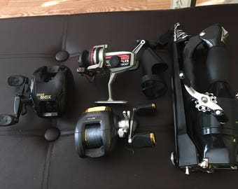 Grouping of fishing reels...free shipping !!