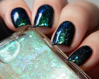 Unicorn Aurora Iridescent Color Shifting Glitter Shimmer Effect Top Coat Nail Polish Starlight and Sparkles Green Blue Liquid Euphoria