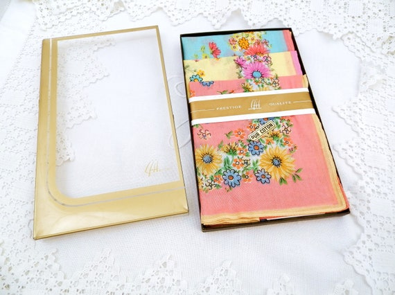 Large Vintage 1960s Unused Boxed Set 3 Colorful Flower Pattern Cotton Handkerchiefs, Hankies from 70s with Floral Pattern Blue Pink Yellow