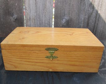 Vintage Handmade Oak Box - Handcrafted Wooden Box - Trinkets - Treasures - Jewelry - Keepsakes