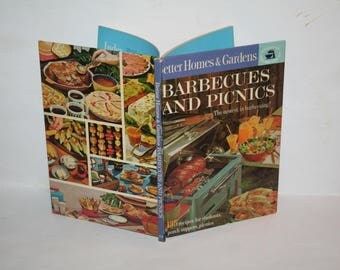 "Vintage Mid-Century 1963 ""Better Homes and Gardens Barbecues and Picnics Cookbook""!  Hardcover!  Filled w/ Recipes + Color Photos!"