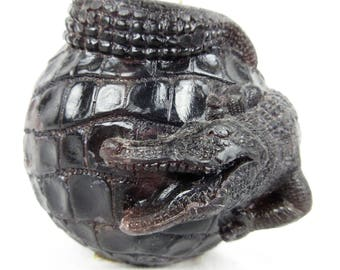Vintage Alligator Candle