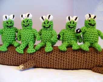 Mini Five Frogs on a Log Crochet Stuffed Animals Set
