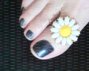 Big Toe Ring | Daisy Slider Bead | Stretch Bead Toe Ring