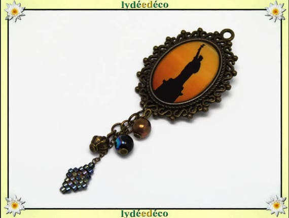 Retro pin resin cabochon New York City Statue of liberty freedom black orange yellow brass oval 18 x 25mm Japanese Pearl