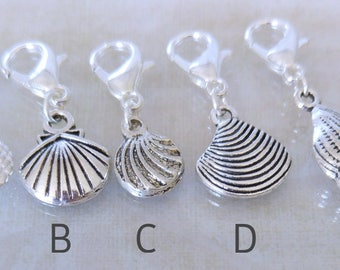 I love Seashells markers or progress keepers for knitting or crochet. Silver plated with 14mm clasp. Made by Kathryn Crafternoon Treats