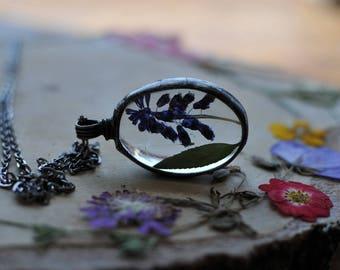 Terrarium necklace, bridal jewelry, organic jewelry, floral jewelry, nature lover, oval pendant, pressed flowers, boho style, mariaela, oak