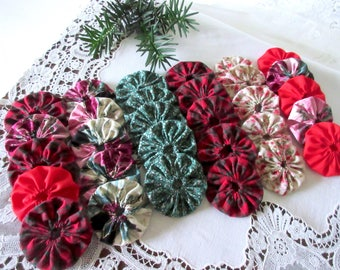 Christmas YO - YO 2 inch assorted shades of cotton yo - yo - set of 30.