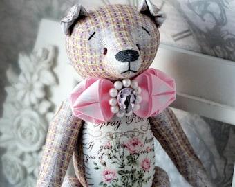 Flo- Fabric toy / Shabby chic / Bear Vintage / Gift / Interior decor